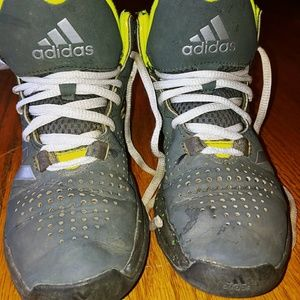 Boys Adidas 2016 lvl basketball hightop shoes sz 4